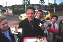"""Repórter encurrala Haddad: """"Acordei cedo e não vi nada"""", diz o poste de Lula (Veja o Vídeo)"""