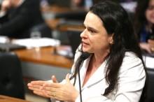 Janaína vai ao ataque exigindo decisão imediata do TSE em relação ao presidiário
