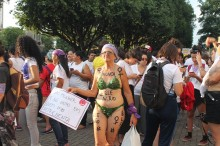 """A quem favorece a campanha """"#EleNão"""" e os bilhões de dólares roubados pelo PT"""