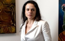 """Janaína destrói argumentação petista e demonstra que foi o PT que utilizou """"robôs"""" no WhatsApp"""