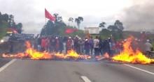 Criminosamente, Stédile cumpre promessa e fecha rodovia (Veja o Vídeo)