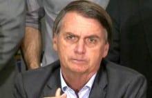 Com tranquilidade, Bolsonaro explica caso envolvendo ex-assessor do filho (Veja o Vídeo)