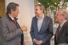 Em mais uma viagem pela Europa, Haddad critica Flávio, mas não explica como sobrevive sem trabalhar