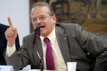 """Tarso, o maior """"otário"""" de Battisti, ainda acredita em sua inocência"""
