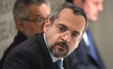 """Ministro da Educação enfrenta """"ataque triplo"""" da extrema-imprensa (Veja o Vídeo)"""