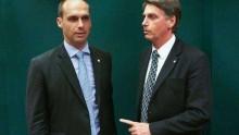 Indicação de Eduardo Bolsonaro ao cargo de embaixador não configura nepotismo