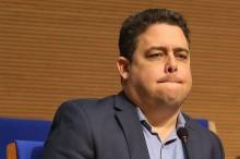 Felipe Santa Cruz: 23h59-Pitbull, 00h00-Poodle