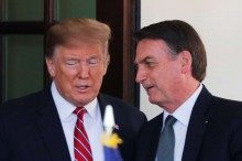 "Trump defende Bolsonaro e desmente ""fake news"""