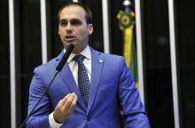 """Eduardo Bolsonaro sobre Paraisópolis: """"quer preservar sua vida? frequente outros locais"""" (assista o vídeo)"""