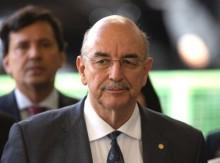 Enfurecido, Ministro da Cidadania ataca a Globo por apologia ao plantio e consumo de maconha (veja o vídeo)