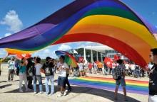 Como a esquerda LGBT consegue aplaudir o terrorismo do Irã?