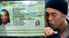 Com passaporte apreendido no Brasil, Ronaldinho Gaúcho usa documento falso e é preso no Paraguai (veja o vídeo)