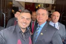 Nos Estados Unidos, Bolsonaro volta a defender manifestações