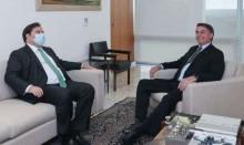 """Diálogo de Bolsonaro com Maia é institucional e não aborta o """"Fora Maia"""""""