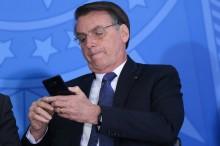 Desvario: Celso de Mello manda pedido de apreensão do celular do Presidente da República