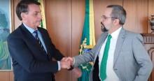 """Entristecido, Bolsonaro desabafa sobre saída de Weintraub: """"Momento difícil, confiança você não compra, você adquire"""" (veja o vídeo)"""