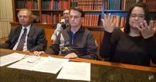 """Em ato emocionante, Bolsonaro pede para sanfoneiro tocar """"Ave Maria"""" em homenagem às vítimas (veja o vídeo)"""