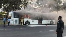 Homem que na quinta-feira ateou fogo em ônibus em frente ao Planalto é solto pela Justiça