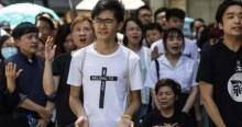 Perseguição a cristãos na China: Presos e obrigados a substituir cruz por fotos de comunistas