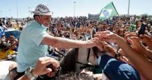 """Saiba o que a """"mídia do ódio"""" esconde nas viagens de Bolsonaro (veja o vídeo)"""
