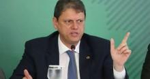 """Sempre ponderado, Tarcísio afirma que """"Brasil está comprometido com equilíbrio financeiro"""""""