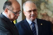 """Gilmar """"atropela"""" Fachin e suspende investigações contra banqueiro"""