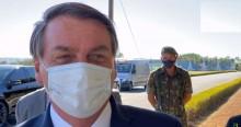 """Bolsonaro não perdoa: """"Rio tá pegando fogo hoje hein. Tá sabendo? Quem é teu governador?"""" (veja o vídeo)"""