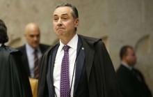 Professor manda para o mundo resposta às agressões de Barroso contra Bolsonaro (veja o vídeo legendado)