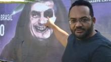 """Na Bahia, advogado arranca outdoor de crime contra a honra de Bolsonaro: """"Aqui tem direita"""" (veja o vídeo)"""
