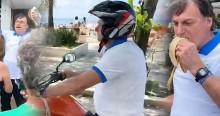 AO VIVO: Bolsonaro passeia de moto no Guarujá, come banana e tira fotos com populares (veja o vídeo)