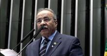 """STF determina afastamento de senador pego com """"dinheiro sujo"""" entre as nádegas"""