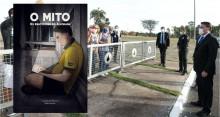 """CNN exalta livro histórico que relata Bolsonaro no """"cercadinho"""" do Alvorada (veja o vídeo)"""