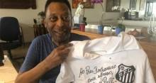 """Bolsonaro ganha """"presentão"""" do rei Pelé"""