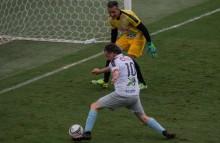 """Com a camisa do """"Rei Pelé"""", Bolsonaro marca gol na Vila Belmiro (veja o vídeo)"""