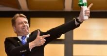 """Deputado surpreende e dá a """"receita"""" para tirar Bolsonaro da presidência"""