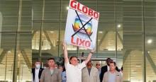 Bolsonaro vai construindo a sua história, triturando os adversários, a Globo e seus indecentes vassalos (veja o vídeo)