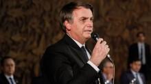 """Bolsonaro sai em defesa do trabalhador e afirma que Exército não será usado para """"obrigar o povo a ficar em casa"""""""