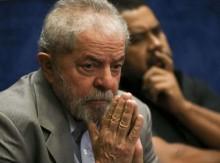 """No Dia da Mentira, Lula conta descarada """"potoca"""", é desmentido e novamente passa vergonha na web"""