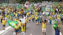 O exemplo que vem de Foz do Iguaçu: Manifestação popular e solidariedade (veja o vídeo)