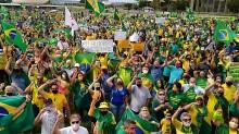 """AO VIVO: Milhões de pessoas vão às ruas no Brasil dar """"grito de liberdade"""" (veja o vídeo)"""