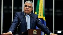 """""""A CPI está se transformando em palanque político em cima de 400 mil caixões de brasileiros que perderam vidas"""", afirma senador"""
