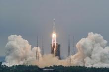 """Por um """"erro de cálculo"""", foguete da China deve cair na Terra nos próximos dias"""