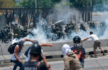 É impossível que o socialismo exista sem um nível implacável de violência