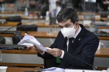 """Senador """"DPVAT"""" demonstra despreparo e desrespeito ao ignorar a patente do General Eduardo Pazuello (veja o vídeo)"""