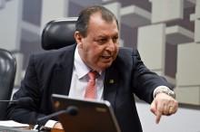 """""""Onde estava Omar Aziz, senador pelo Amazonas, quando houve o caos no estado?!?"""", questiona analista político (veja o vídeo)"""