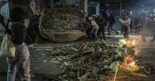 """Em escancarada deturpação, Folha """"glamouriza"""" a insanidade dos protestos """"esquerdopatas"""" (veja o vídeo)"""