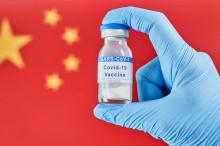 Falsa diplomacia e chantagem: China ameaça suspender entrega de vacinas à Ucrânia