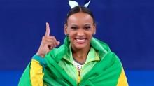 Rebeca Andrade conquista ouro inédito para o Brasil e faz história em Tóquio