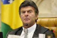 """Fux critica """"ataques de inverdades"""" e sinaliza """"basta"""" do STF a Bolsonaro"""