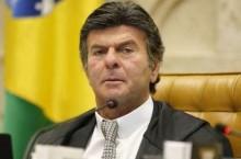 """Fux """"ataca"""" e sinaliza """"basta"""" do STF a Bolsonaro"""